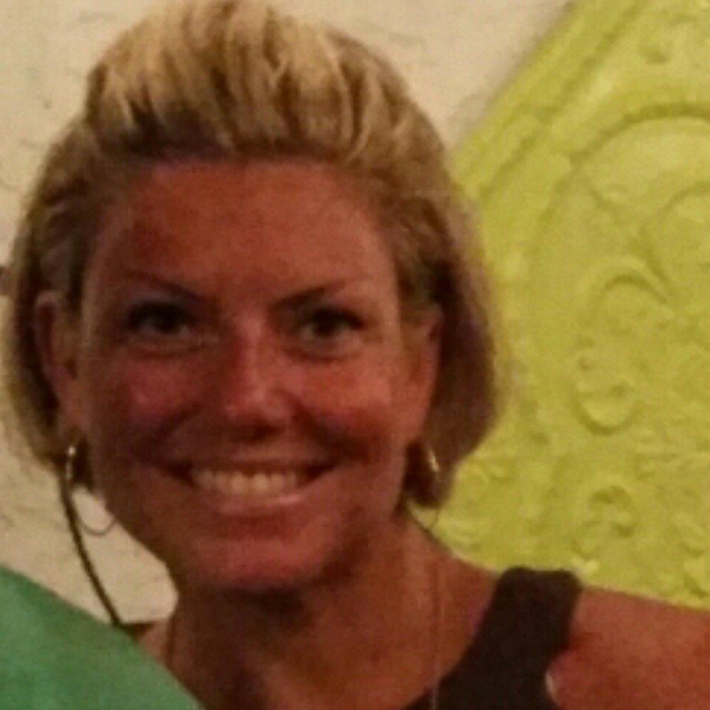 Suzanne Gundersen Holistic Mentor, Retreat Organizer
