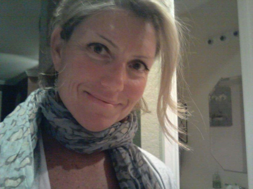 SUZANNE - Stress Relief & Self-Regulation Mentor,Retreat Organizer