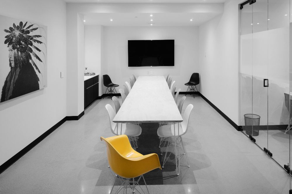 large meeting room - meeting room one comfortably accommodates up to seventeen and is in the galleri. perfect for high-profile meetings, presentations and training.Hourly: $150/hrHalf-Day: $600Full Day: $1050After Hours: $250/hr (after 18:00)
