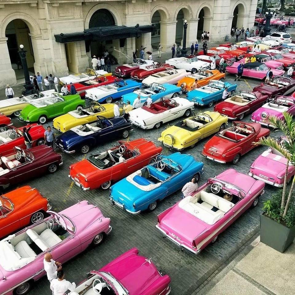 Autos clásicos                         La Habana