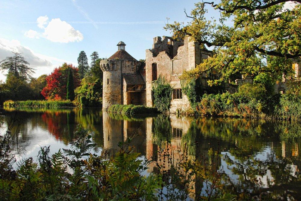 scotney-castle-2370212_1920.jpg