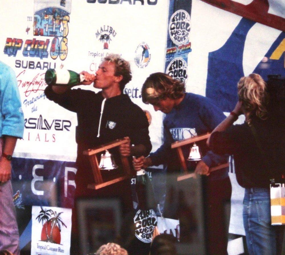 Tom Carrol e Tom Curren, anos 80. Surf performance na veia e ídolos de toda uma geração.