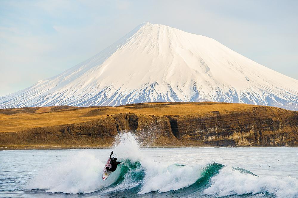 Antes de largar a fotografia de surf, Burkard produzia imagens como essa, clickada nas Ilhas Aleutas.