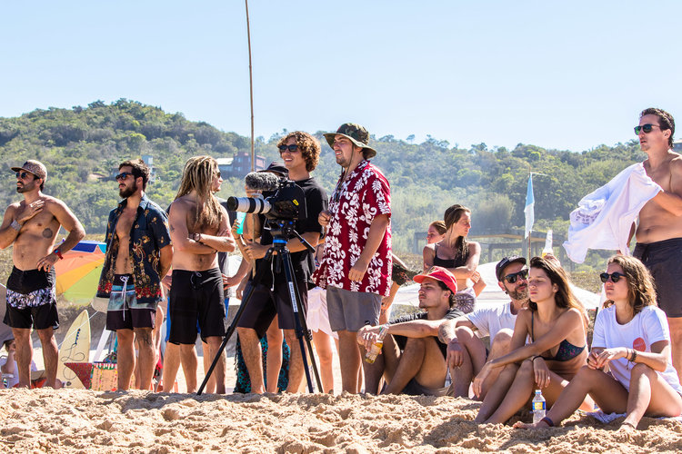 Yago Dora e o videomaker Bruno Zanin apreciando a vibe de primavera na Silveira.