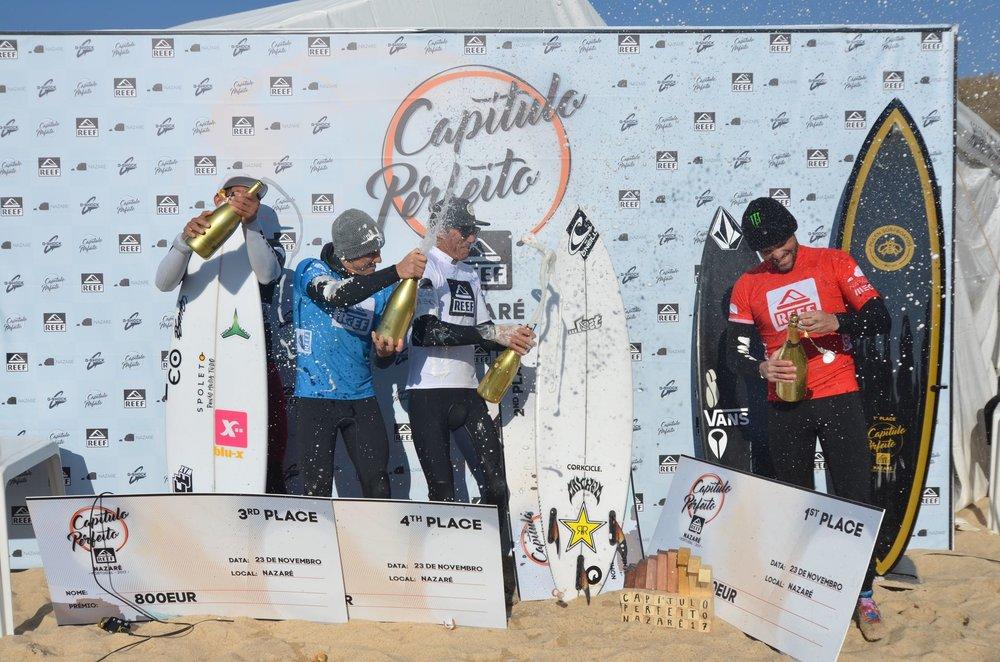 William Aliotti à direita do pódio // Foto: Divulgação