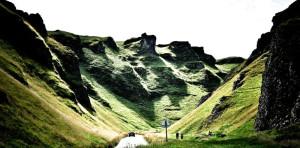 Exploring-landscape-mountain-peaks-300x148.jpg