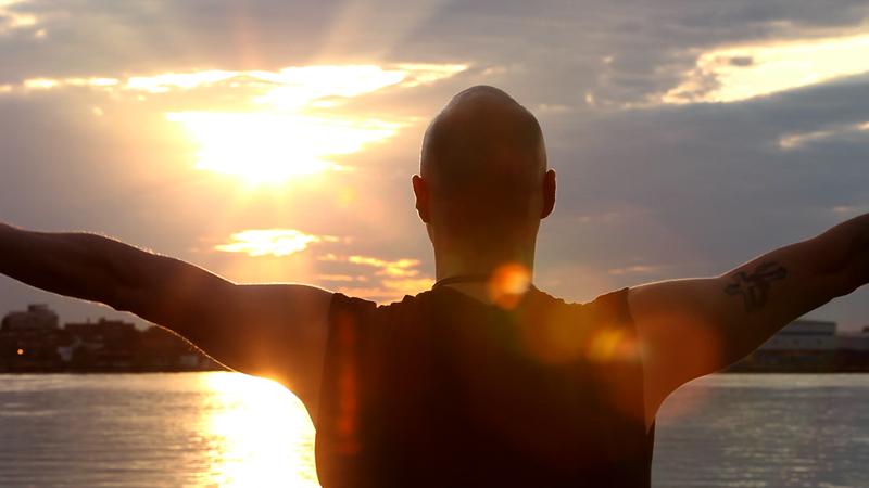 3-Man-looking-at-sun.jpg