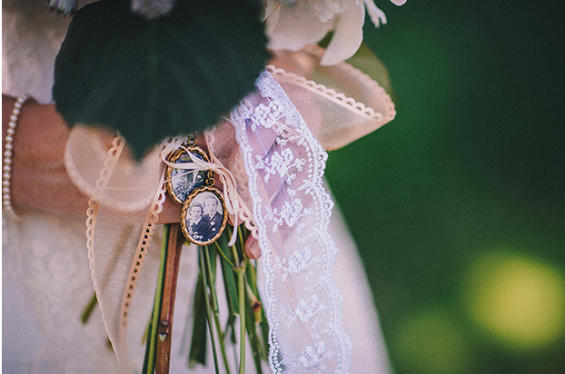 bouquet locket