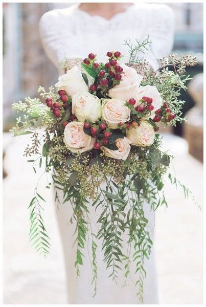 Photo by  Sarah Sidwell Photography  via  boho-weddings.com