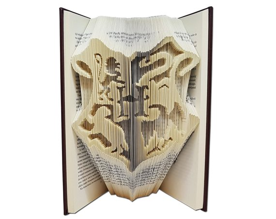 How to Throw a Harry Potter Wedding - Book by Book Folding - #wedding #harrypotter #always #muggletomrs