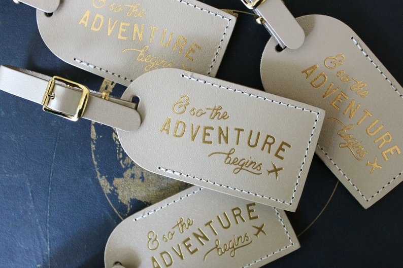 10+ Wedding Favors Your Guests Will Actually Want - Favor by Letter and Leather- #wedding #weddingfavors #weddingblog