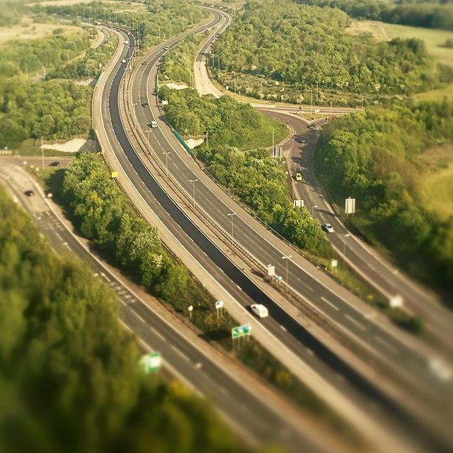 Toy town . . . . .  #aerialphotography #artofvisuals #beautifuldestinations #dronephotography #agameoftones #uav #exklusive_shot #inspire1 #peoplescreatives  #thisislondon #shutup_london #london_only #iphoneography #iphoneonly #instagood #cars #road #green