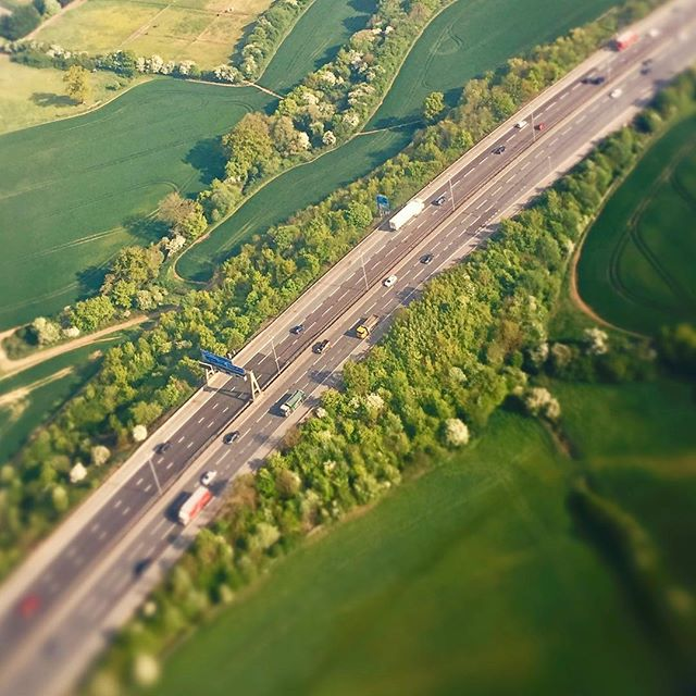 Today's trip.  #Lookup . . . . .  #aerialphotography #artofvisuals #beautifuldestinations #dronephotography #agameoftones #uav #exklusive_shot #inspire1 #peoplescreatives  #thisislondon #shutup_london #london_only #iphoneography #iphoneonly #instadaily #instagood