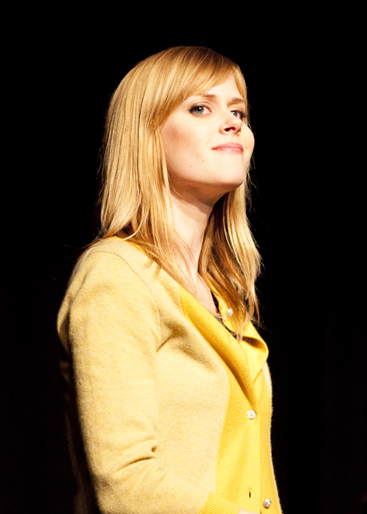 Janet Varney at Theme Park Improv at SF Sketchfest, January 29, 2010. Photo by Ameen Belbahri.