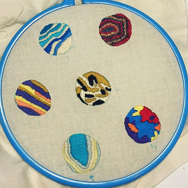 I've been stitching away at these cute little circles. I may have accidentally made the at&t symbol. I love how unique each one is. #dmcembroidery #dmcthreads #embroideryart #embroiderywork #lovethework #embroideryhoop #embroiderylove #embroideryinstaguild #mischiefcreates #smallembroidery #🎨🎨