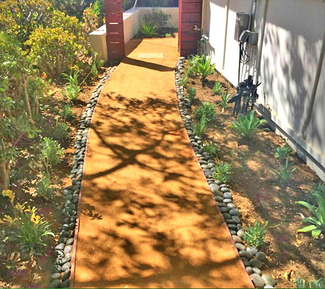 decomposed granite walkway w black stone border_drought tolerant design.jpg