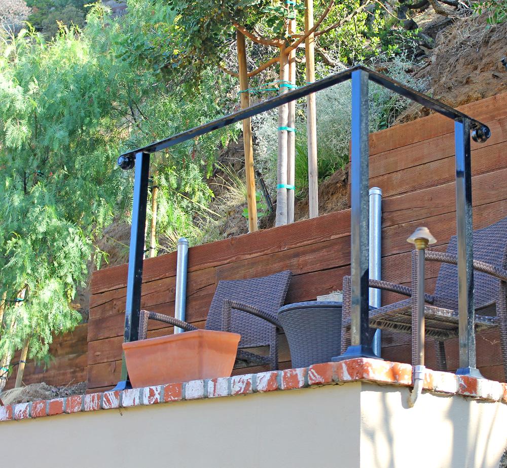 hardscape-top-deck-wood-retaining-walls.jpg