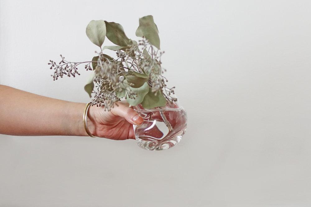 Jesse_Bromm_organic_bud_vase