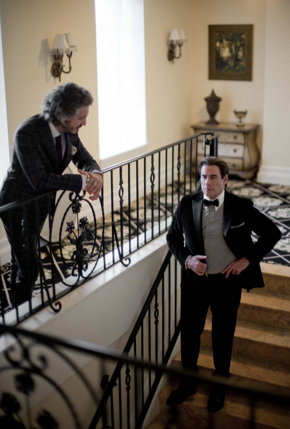Lo stilista Matteo Perin con John Travolta FOTO THORSTEN VON OVERGAARD