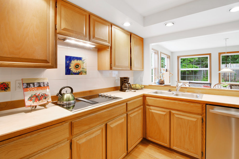 bothell_cul--de-sac_kitchen2.jpg