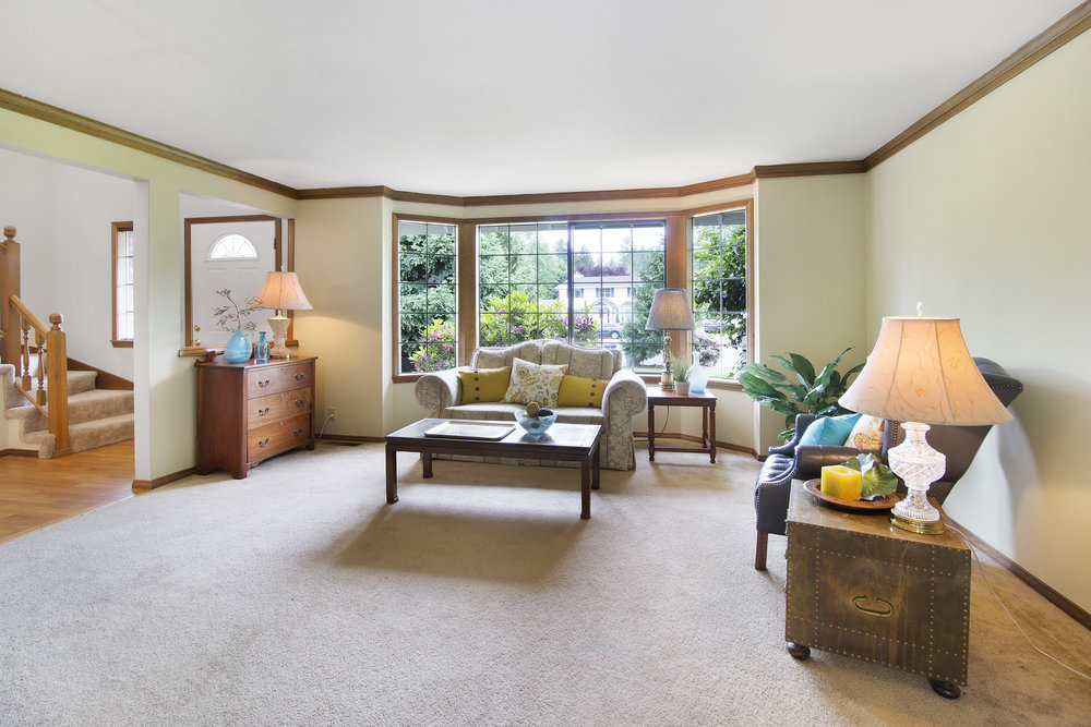 bothell_cul--de-sac_living room 2.jpg