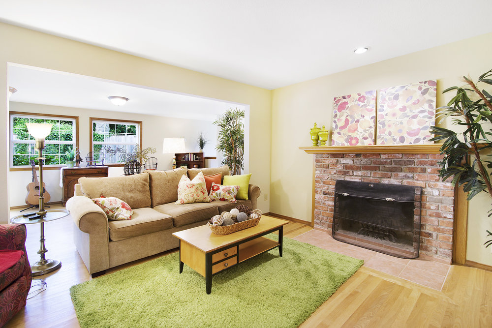 bothell_cul--de-sac_family room.jpg