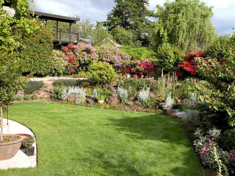 kirkland_tudor_Gardens2.jpg