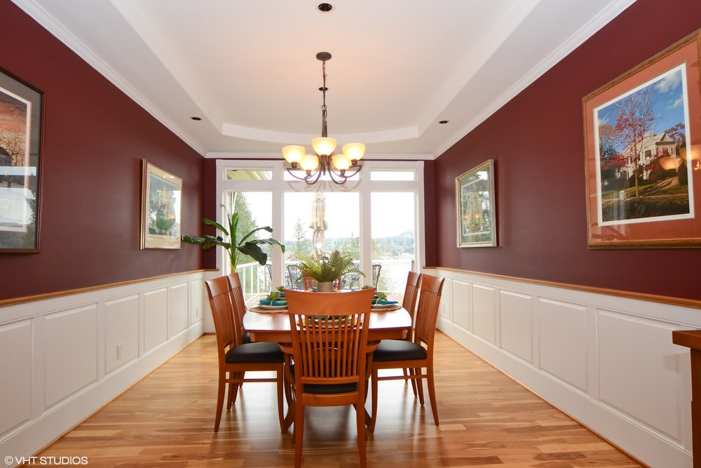 09_3734EMercerWay_2_DiningRoom_HiRes.jpg