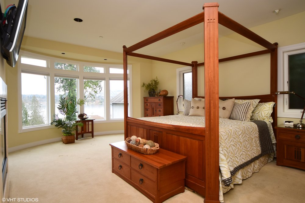 14_3734EMercerWay_178001_MasterBedroom_HiRes.jpg