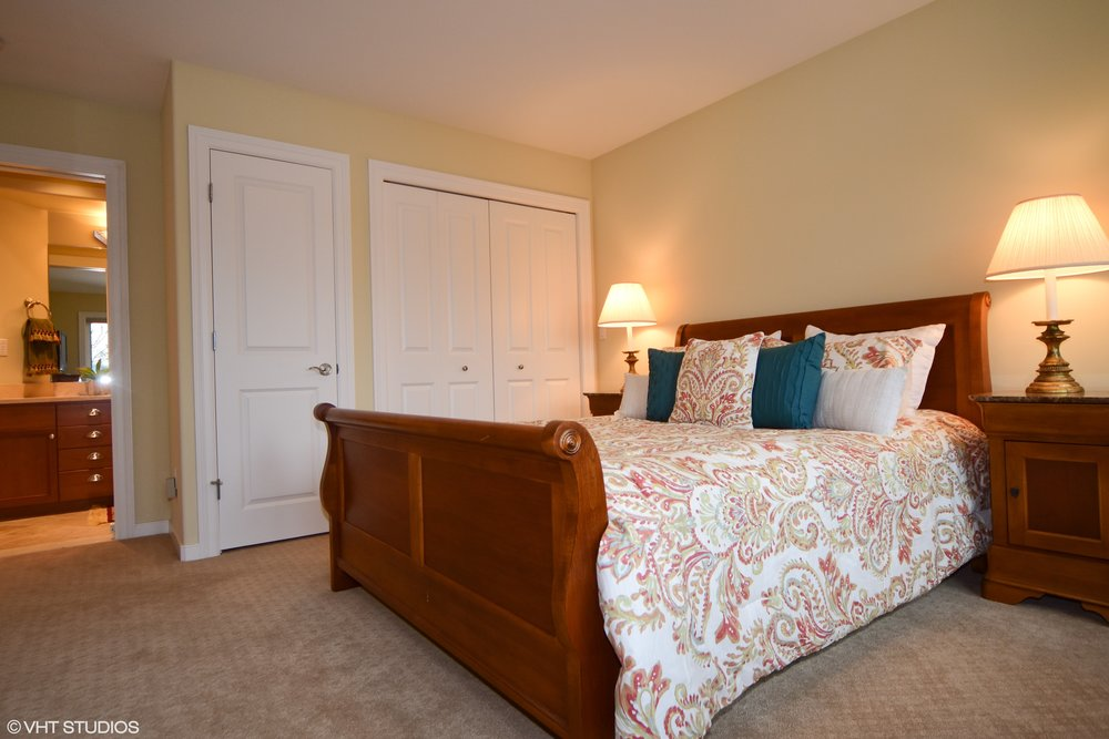 19_3734EMercerWay_18002_Bedroom_HiRes.jpg