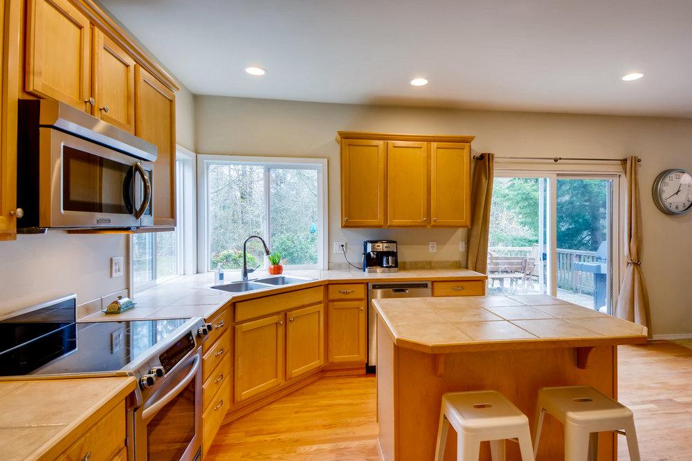 2524 248th Ter NE Redmond WA-print-011-5-Kitchen-3600x2400-300dpi.jpg
