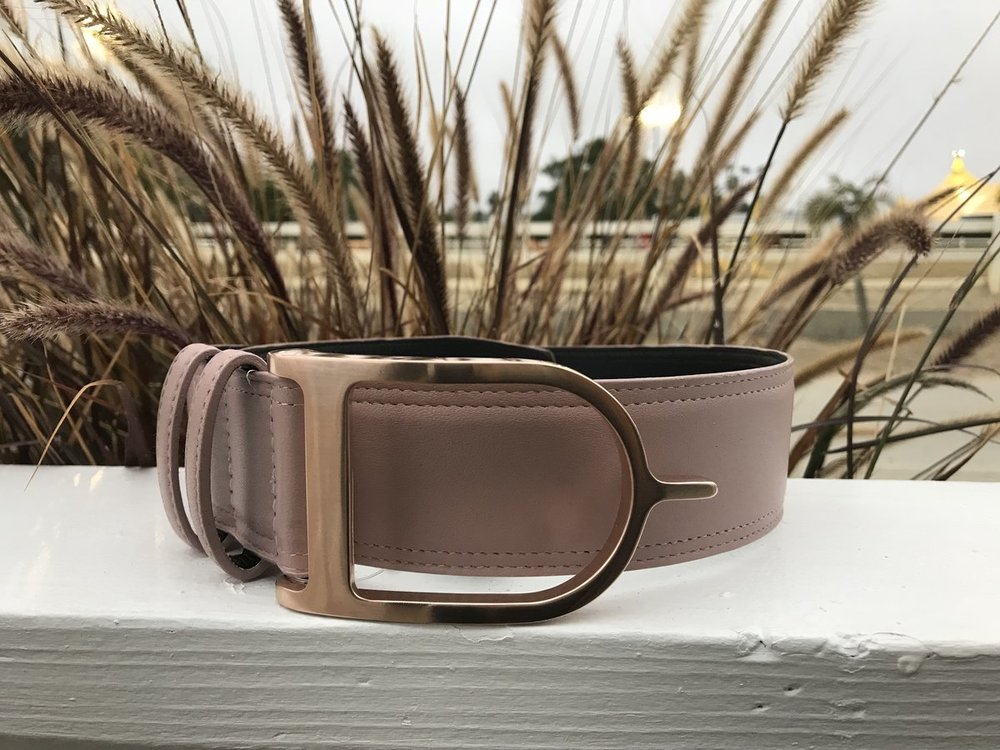 17 Hands Equestrian's GORGEOUS Rose Gold Blush Belt