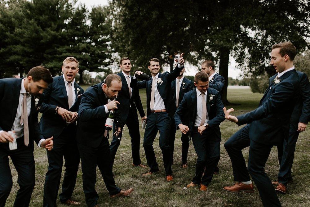 13ashley-sara-photography-pittsburgh-photographer-wedding-photographer-brookside-farm-wedding-louisville-ohio.jpg