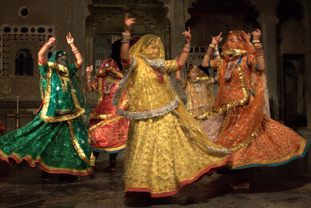 Dancers Spin