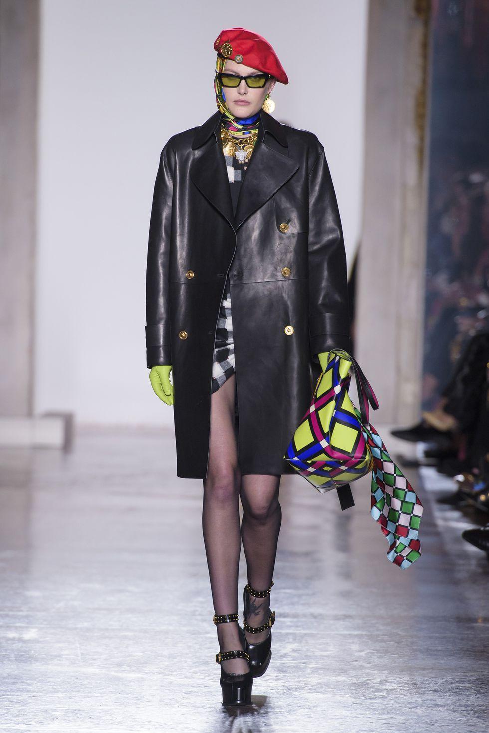 Versace Fall 2018 (80s).jpg