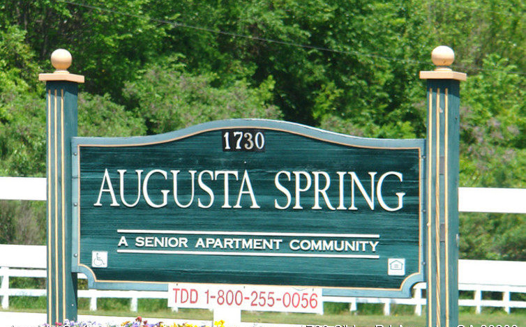 Augusta-Spring-Apartments-Augusta-GA-photo-03 copy.jpg