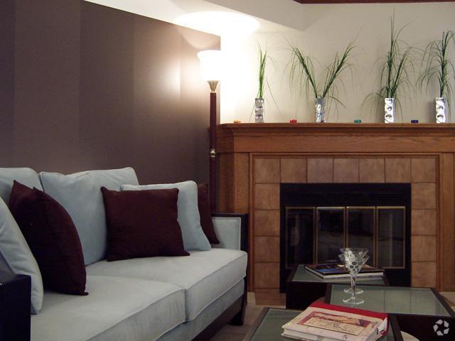 presidio-square-milwaukee-wi-living-room.jpg