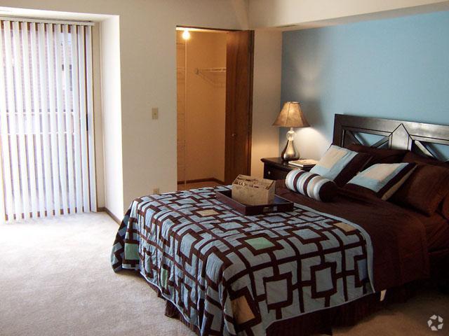 presidio-square-milwaukee-wi-bedroom (1).jpg
