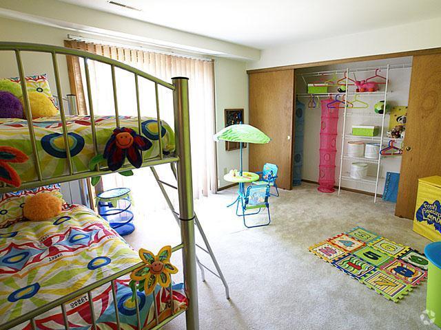 presidio-square-milwaukee-wi-bedroom.jpg