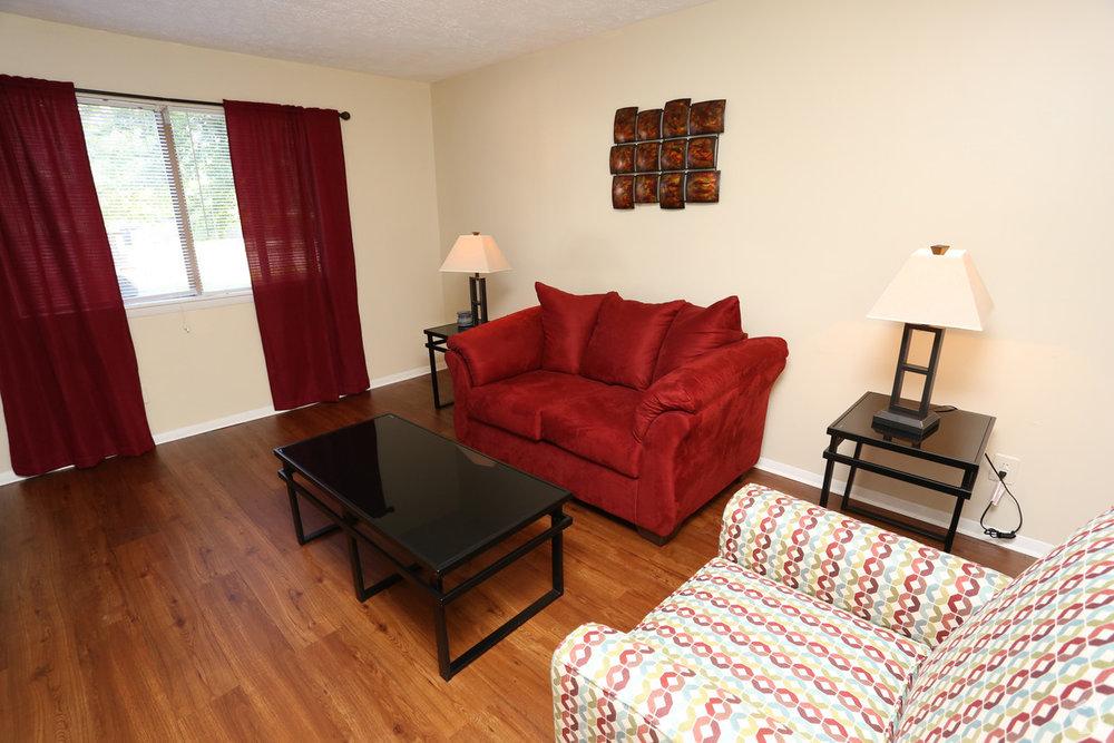Victoria Gardens Apartments Louisville Ky 2br 15 Ba