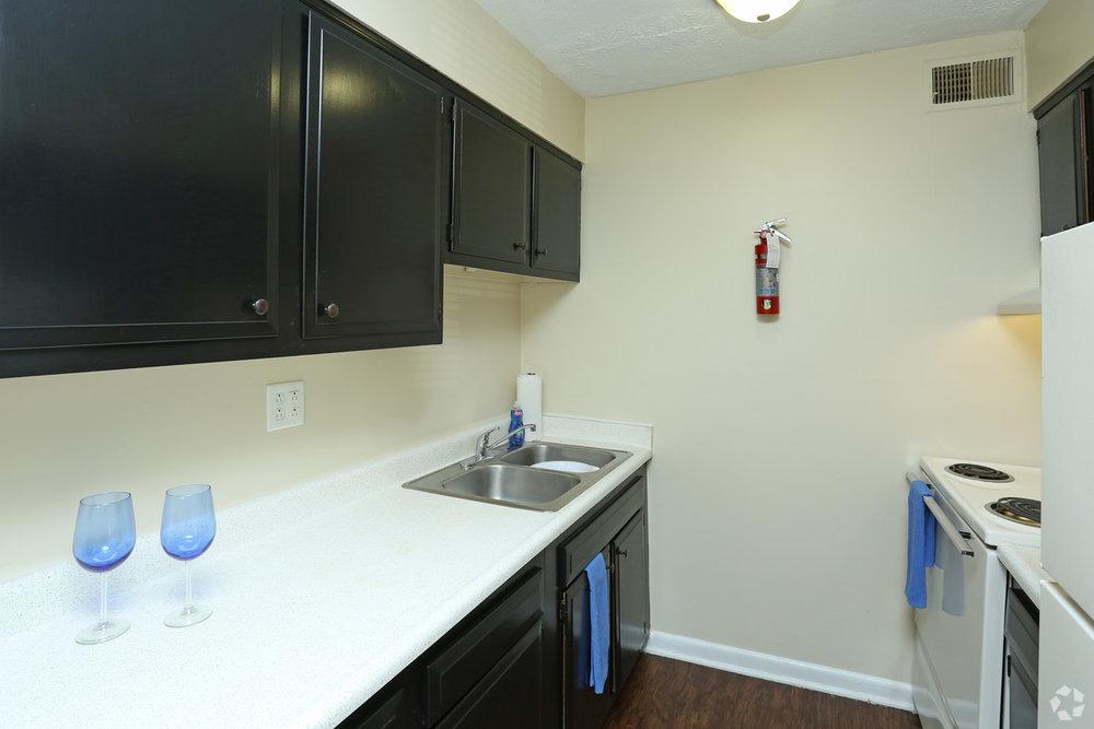 king-solomon-jeffersonville-in-2br-1ba---760-sf---kitchen.jpg
