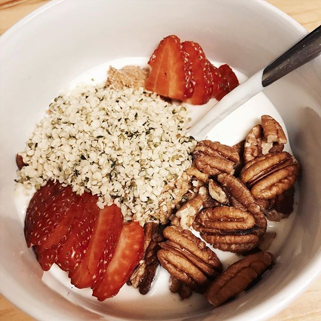 Tiny bowl of #veganketo magic 💕 homemade coconut yogurt, hemp hearts, strawberries, pecans and almond butter. • • • • #ketomama #glutenfreevegan #dairyfreeketo #sugarfree #fatbowl #ketosis #ketodiet #ketobreakfast #ketolunch #wholefoodplantbased #lowcarbdiet #lowcarbvegan #lowcarbhighfat #postworkoutmeal #fatadapted #vegano #veganlife #veganrecipes #foodporn