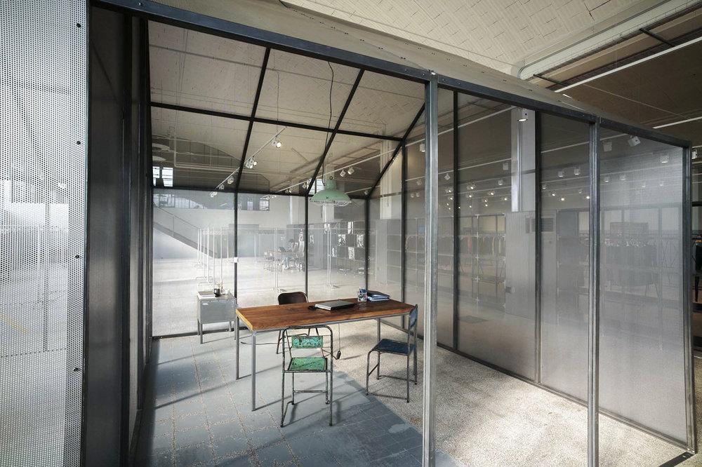clothing-showroom-06.jpg
