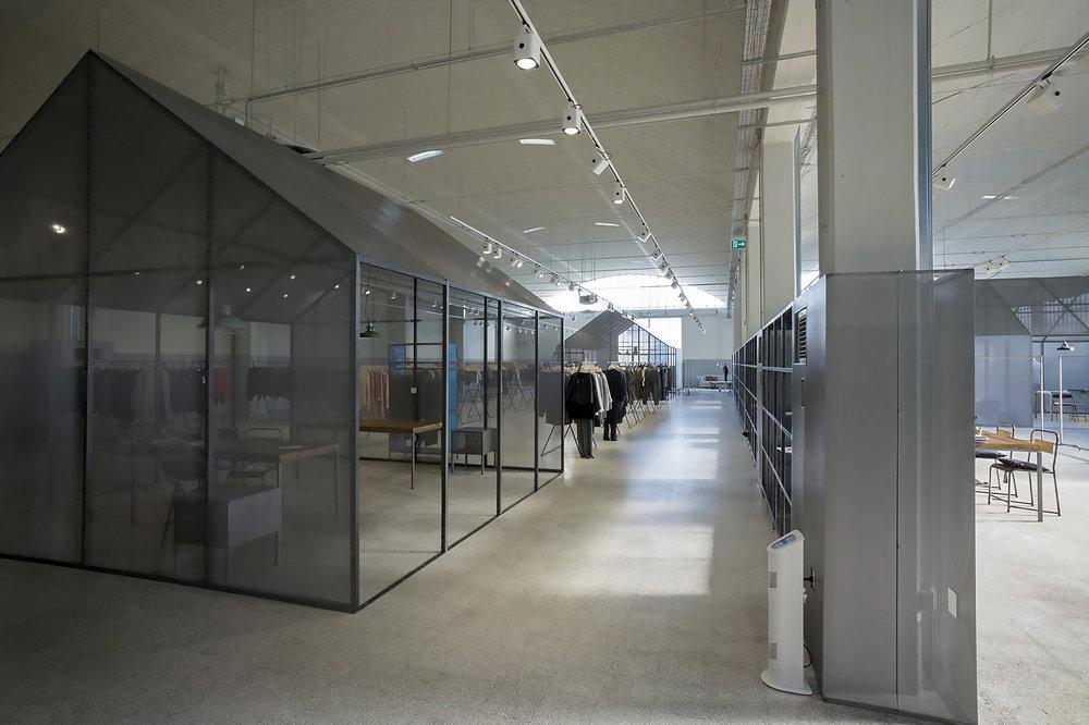 clothing-showroom-08.jpg
