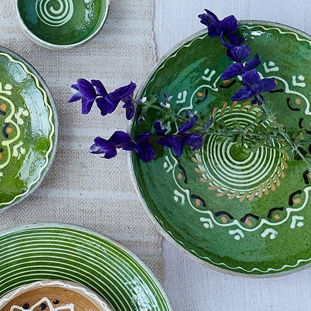 So pleased to back in action with these gorgeous numbers #romania #ceramics #tablescapes #tablesetting #transylvania