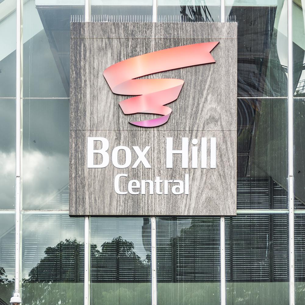 <4km to Box Hill -
