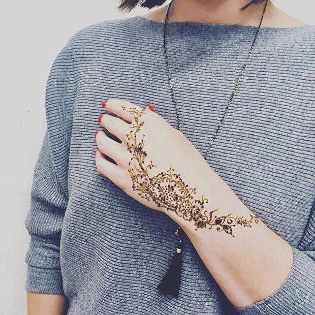 New works - impro🍁welcome autumn ✨ book your appointment @mymehndi.prague . . #henna #hennatattoo #tamarashmidt #mymehndiprague #hennaart #hennaworkshop #masterclass #docasnetetovani #tetovani #tetovanihennou #hennatetovani #hennadesign #henatattoo #naturalhenna #tetovaniehennou #tetovanie #hennatetování #dočasnétetování #tetování #henna_art #mehndiart #mehndidesign #hennavčechách #hennavcechach #czhenna #czmehndi #czmehendi