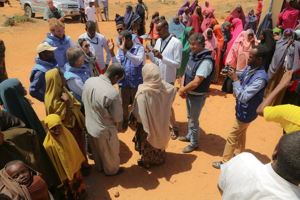 UN delegation visits displacement camp in Kismayo with Special Advisor Walter Kaelin. Credit: UN Photo
