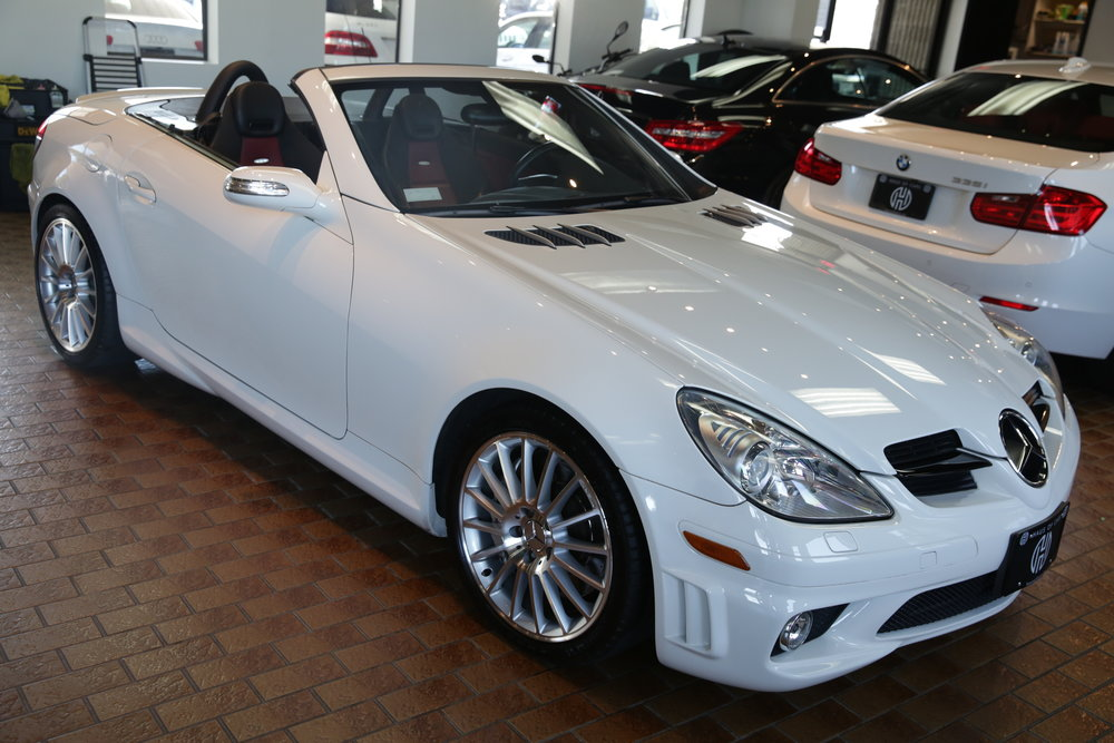 "<h1 class=""title"">2006 Mercedes Benz SLK55 AMG</h1><p class=""categories"">On Sale</p>"