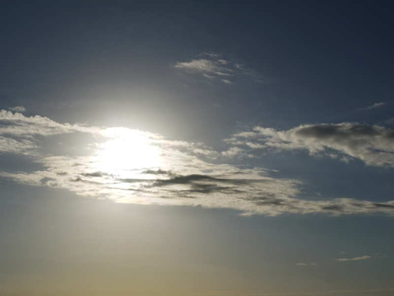 clouds-1609348_1920.jpg